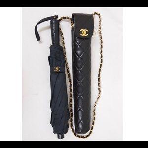 CHANEL 1995 UMBRELLA SET with quilted shoulder bag